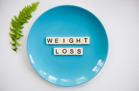 Weight Loss Text on blue Plate