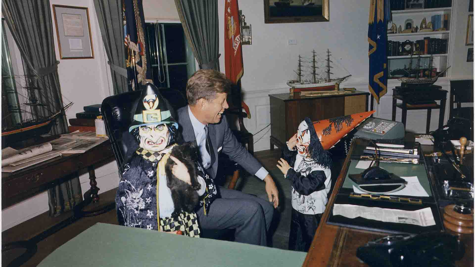 president john f kennedy Playing with Kids - American History